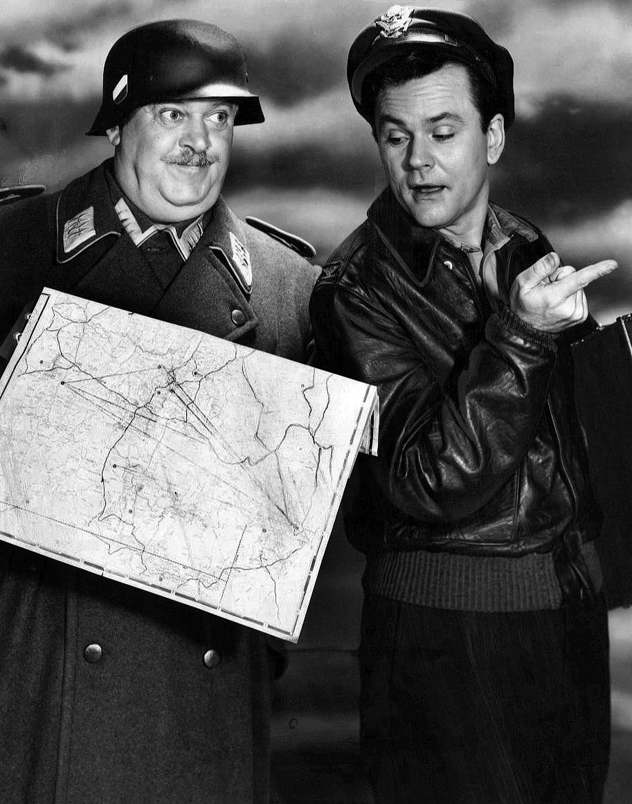 John Banner and Bob Crane | Image Source: Wikimedia Commons (Public Domain)