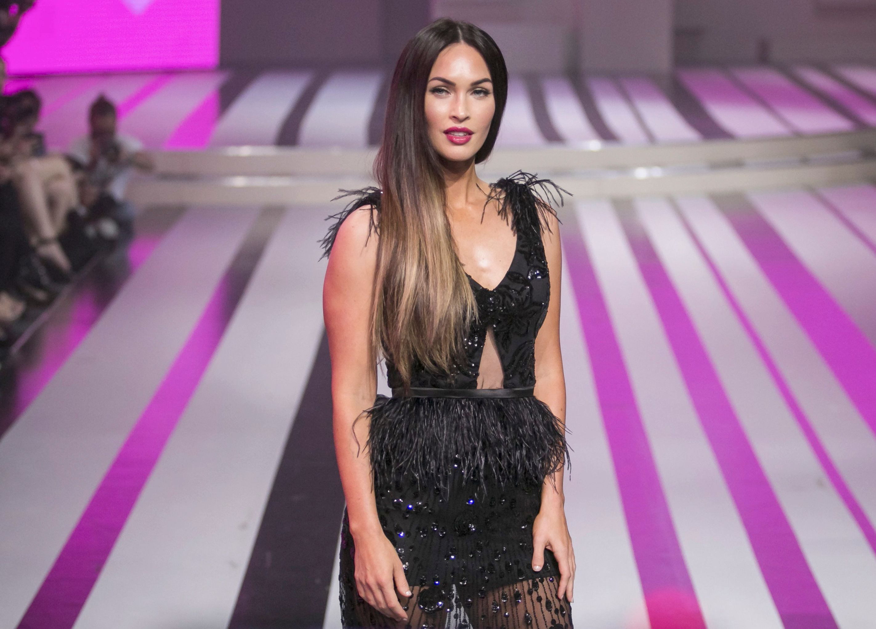 Megan Fox walks the runway during the Liverpool Fashion Fest 2017 / Photo:Getty Images