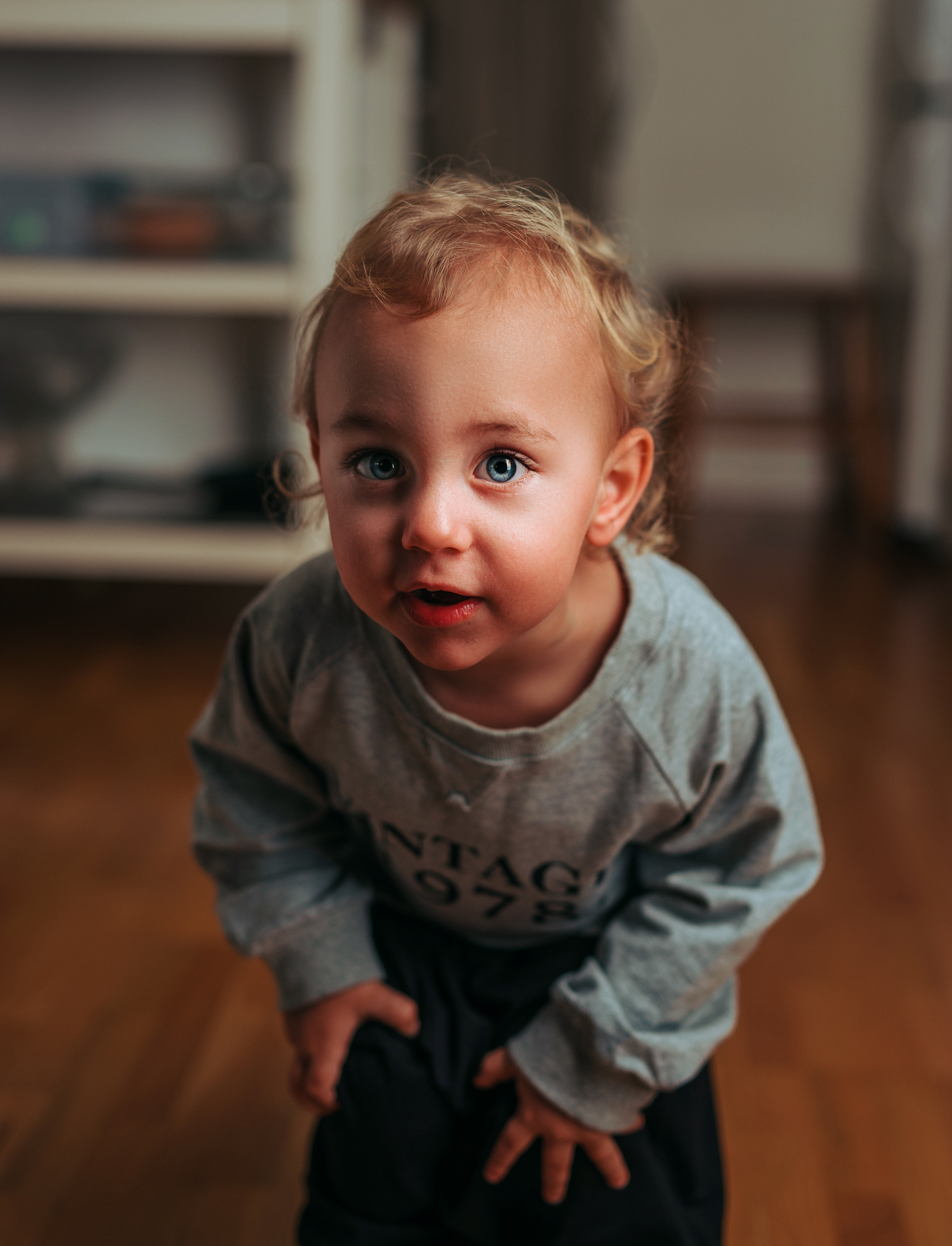 Toddler looking for someone | Photo by ?? Janko Ferlič - @specialdaddy on Unsplash