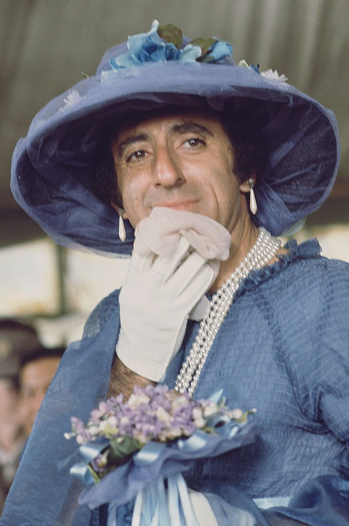 Image Credits: Getty Images | Jamie Farr as Klinger on set