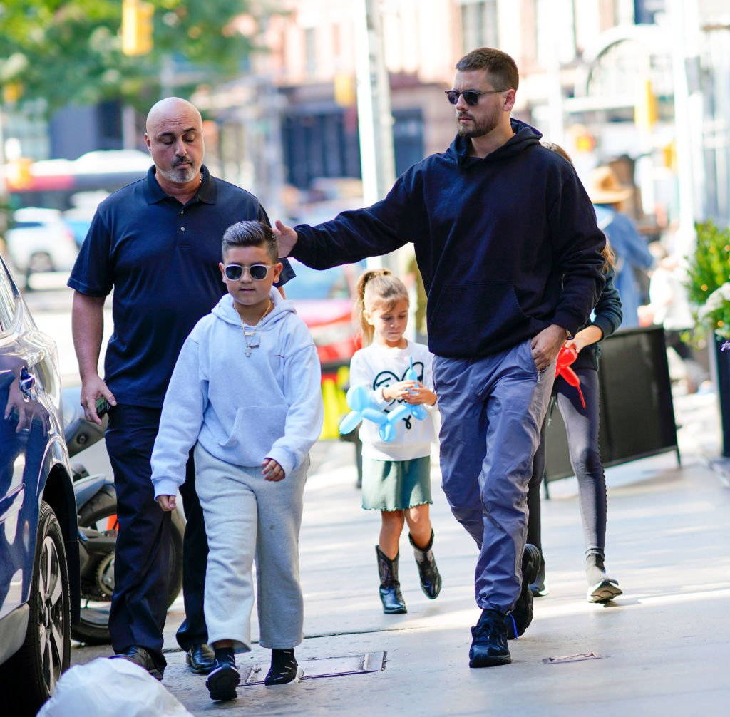 Image Credit: Getty Images / Scott Disick and Kourtney Kardashian take their kids Mason, Penelope, Reign to lunch on September 30, 2018 in New York City.
